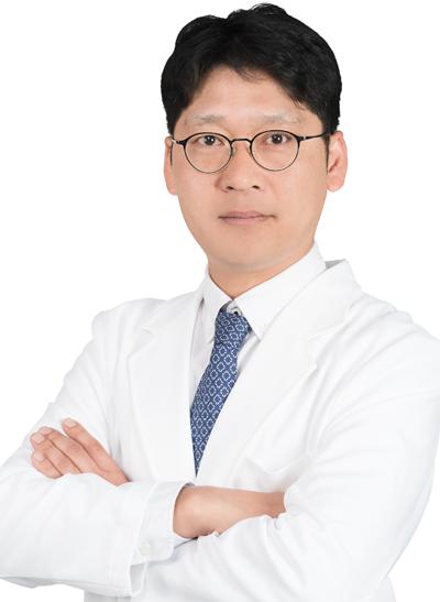 41회차_미사_이창인_척추측만증_스포츠조선(180530).png