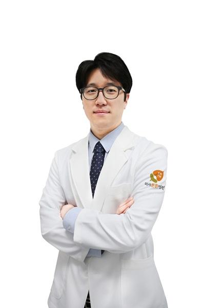 4회차_미사_이효범_무지외반증_미주중앙일보(181204).jpg