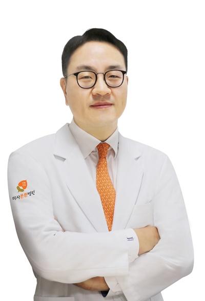 17회차_미사_김영근_척추압박골절_비즈니스코리아(200622).jpg